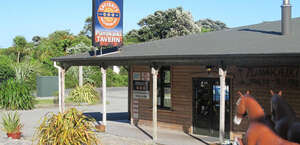 Punakaiki Tavern, Accommodation & Bistro