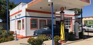 Pete's Rt 66 Gas Station Museum