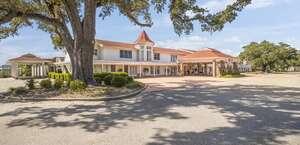 Gulf Hills Hotel & Resort
