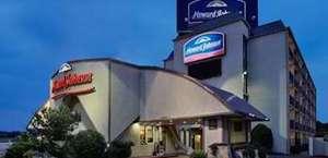 Howard Johnson Express Inn - Arlington Ballpark