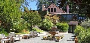 Applewood Inn & Restaurant