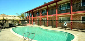 Econo Lodge Inn & Suites Near Legoland