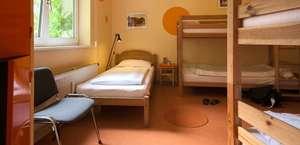 Motel DuBeau Travelers Inn & Hostel