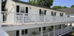 Eagle House Motel & Guest House