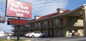Pin Oak Motel