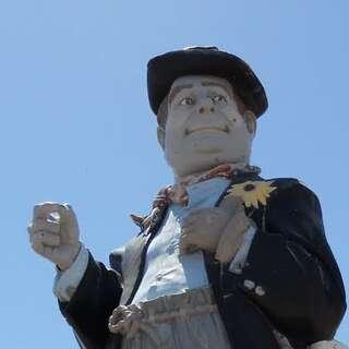 Hobo Joe Statue