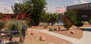 Lake Powell Canyon Inn.