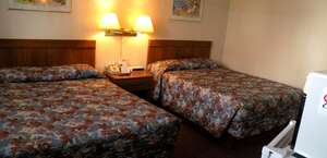 Carriage House Inn & Suites