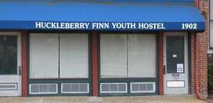 The Huckleberry Finn Youth Hostel