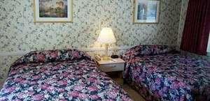 Oxen Yoke Inn & Motel