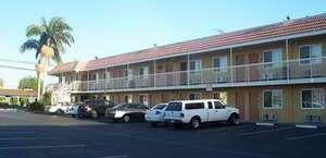 Fullerton Plaza Inn