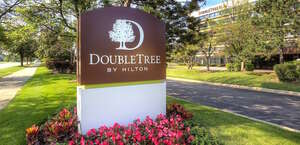 DoubleTree by Hilton Bradley International Airport
