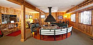Chateau Apres Lodge/Cafe