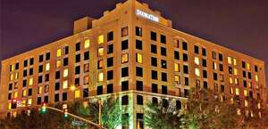DoubleTree by Hilton Hotel Santa Ana - Orange County Airport