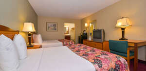 Lamplighter Inn & Suites North