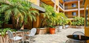 Hawthorn Suites by Wyndham Manhattan Beach/LAX Airport