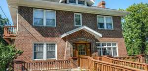 University Avenue Bed and Breakfast