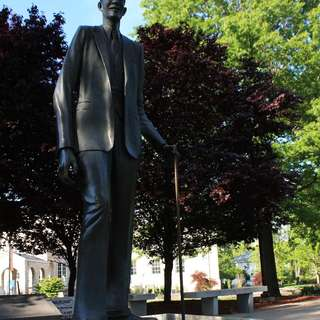 Life Size Statue of World's Tallest Man