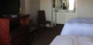 Econo Lodge Inn & Suites Manchester