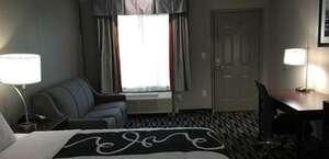 Catoosa Inn & Suites