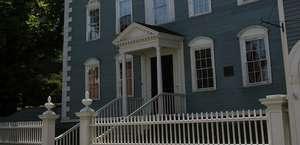 Moffatt Ladd House