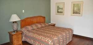 Pasadena Inn & Suites