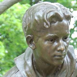 Big Boy Scout Centennial Statue