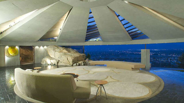 The Elrod House [Lautner), Palm Springs - CA | Roadtrippers