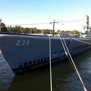Great Lakes Naval Memorial & Museum - USS Silversides