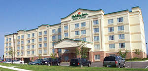 Holiday Inn & Suites Overland Park-Conv Ctr
