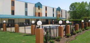 Best Western Plus Arbour Inn Suites