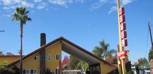 Sky Palm Motel