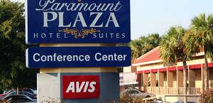 Paramount Plaza