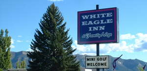 White Eagle Inn & Family Lodge