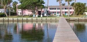 Caribbean Shores Hotel & Cottages