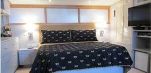 Ocean Romance Dockside Bed and Breakfast Yacht