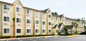 Hometown Inn & Suites