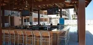 Castaway Beach Inn & Swim Up Bar