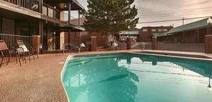 El Rey Inn & Suites