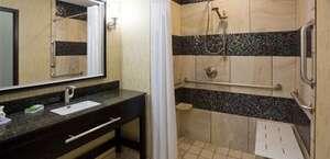Holiday Inn Express & Suites Davenport, Ia